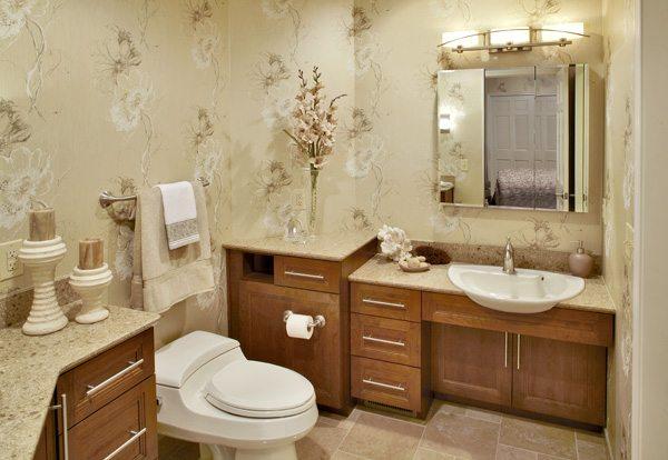 Brandon Lake Cottage Bathroom
