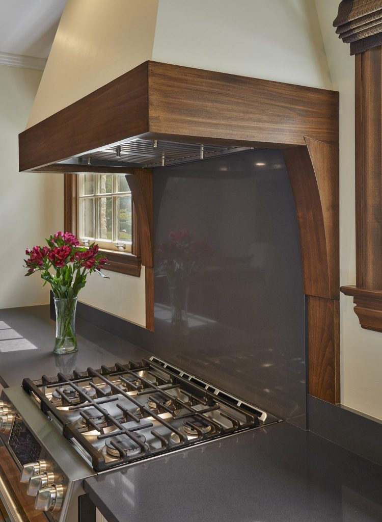 Range Hood with Custom Woodwork